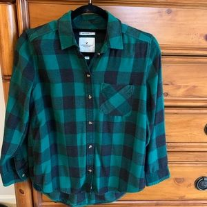 American Eagle black and green flannel